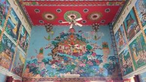 Besuch beim Buddha: Wandmalereien