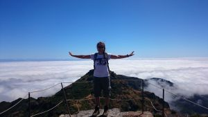 Abheben über den Wolken in Madeira