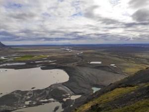 weite karge Vulkanlanschaft