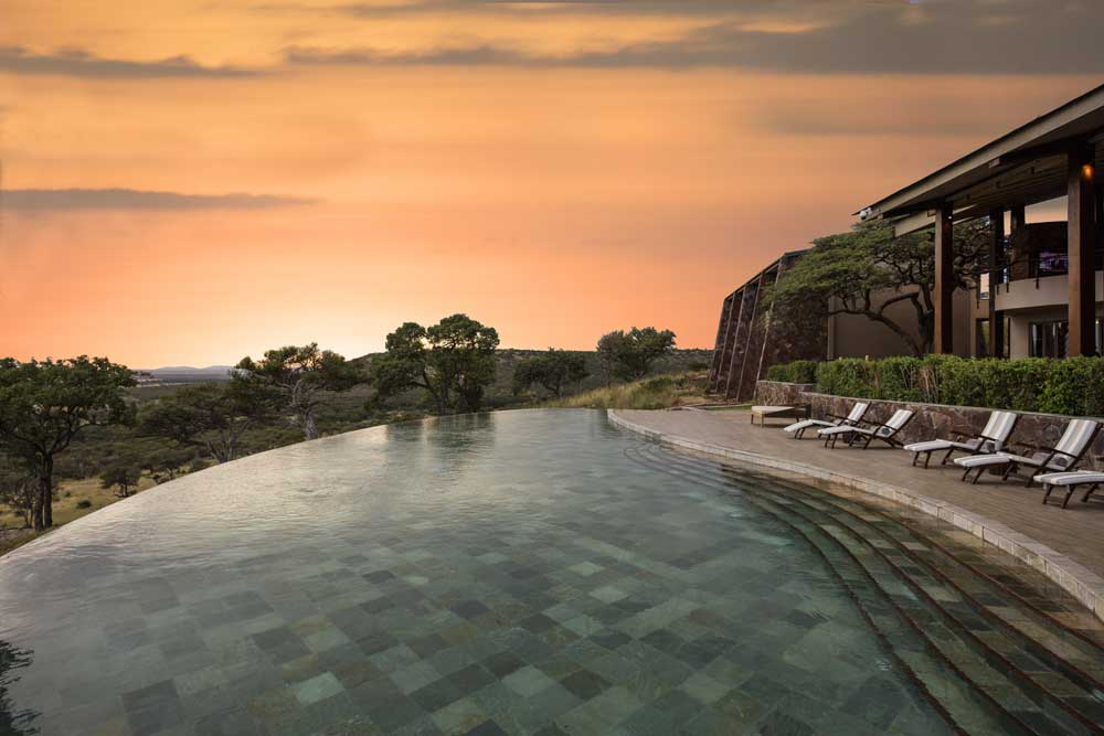 300MeliaSerengetiLodge-Pool_Sunset