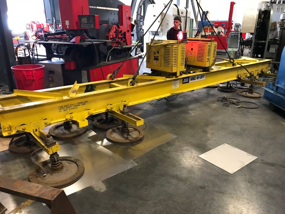 ARCO Vac U Lift Vacuum Lift 21' x 12,800 Lbs Capacity - Pad Position is adjustable