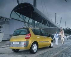 Renault_75489_global_en