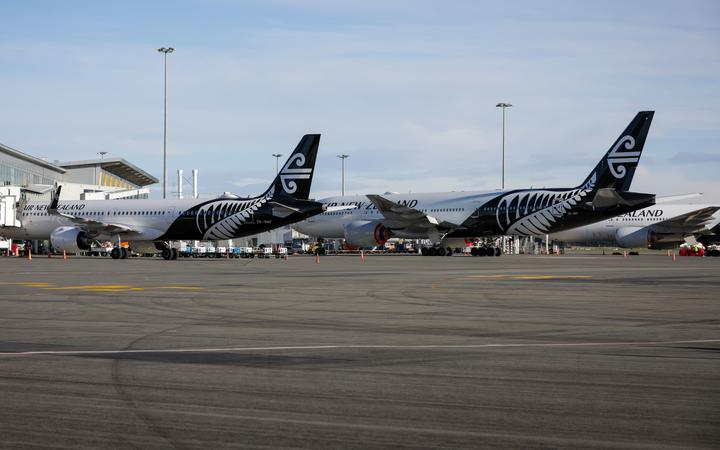 Air New Zealand planes