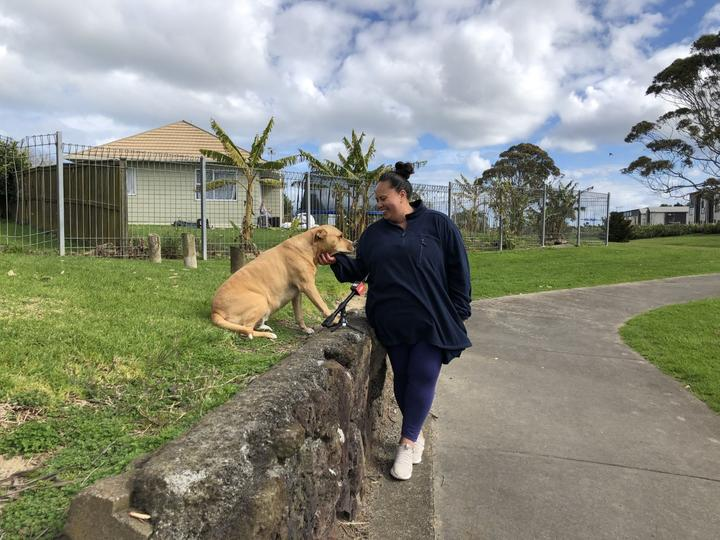 Erina Conroy, who's walking her dog Starcey in Manukau, told RNZ she didn't mind staying in Covid-19 level 4 lockdown longer as the priority is to contain the virus.