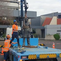 Hamilton mayor suffers from abuse after Captain Hamilton statue removal