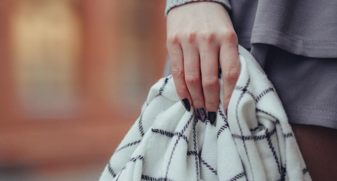 How to Choose the Right Nail Polish According to Your Outfit