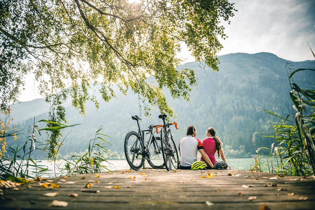 Rennradfahrer am See in Bad Kleinkirchheim