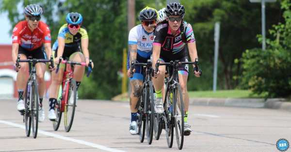 women road cyclists racing