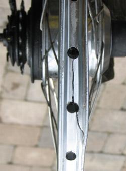 Kinetix rear rim fracture.WEB