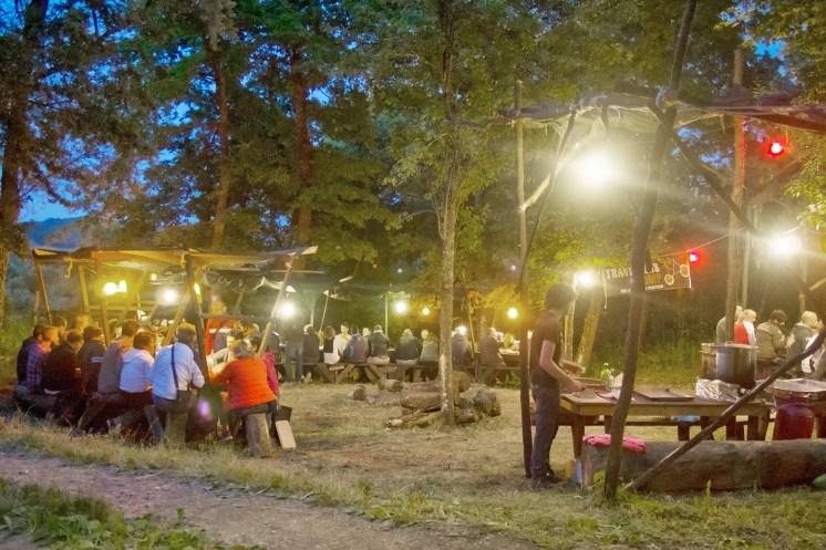 Travellers Camp 2016, la sera a cena all'aperto