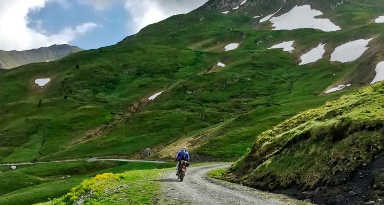 Sterrati in moto sui Pirenei