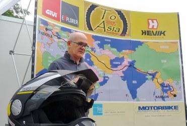 """""""To Asia"""": dall'Italia al Vietnam in moto, il momento della partenza"""