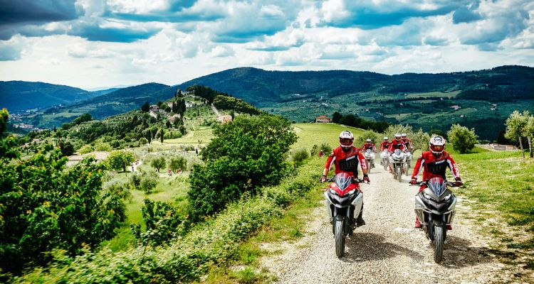 Ducati Riding Academy, esperienze e corsi di guida 2018