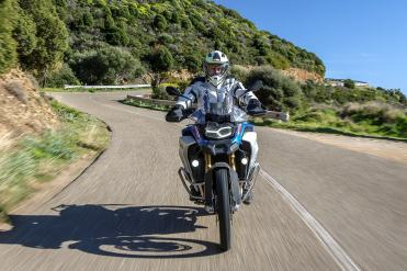 bmw-f-850-gs-adventure-test-strada-anteriore