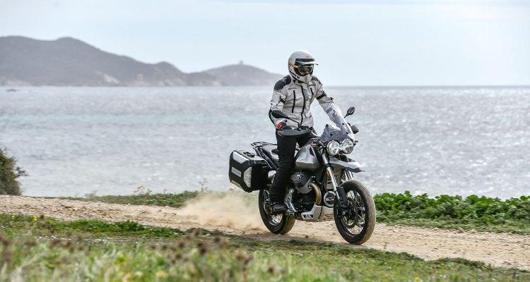 prova su strada e fuoristrada della Moto Guzzi V85 TT