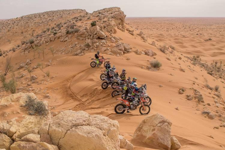 In viaggio sulle dune del deserto con FreeRacing