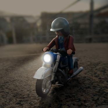 click-jones-moto-playmobil-instagram-notte