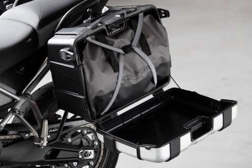 triumph-tiger-900-gt-pro-valigia-aperta