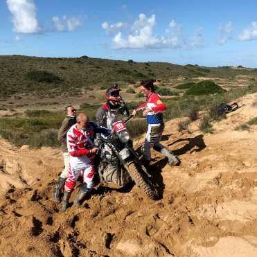 swank-rally-sardegna-spinte-sulla-sabbia