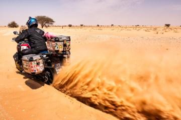 africa twin verso il lago rosa a dakar