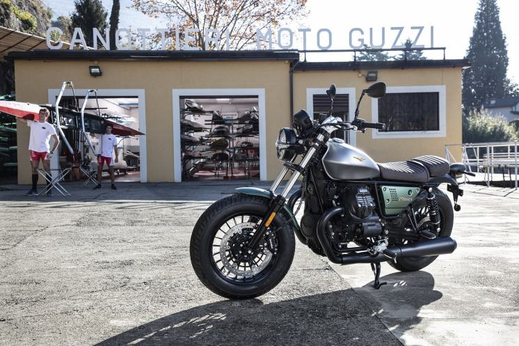 Moto-Guzzi-V9-Bobber-Centenario