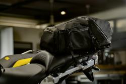 013-BMW-Backpack-black-collection-montato