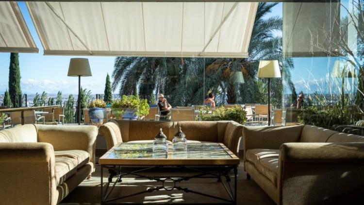 Paradores Spanien Hotel Terrasse
