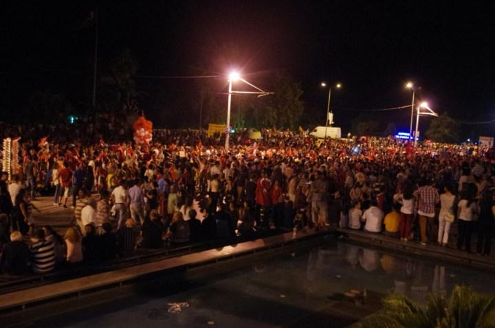 Antalia-Turkey-occupy-Gezy-crowd