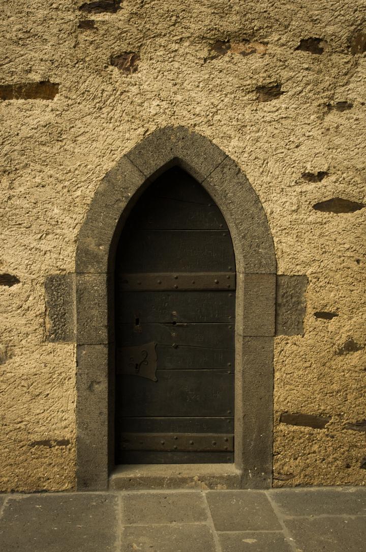 Eltz-Burg-Castle-Germany-door