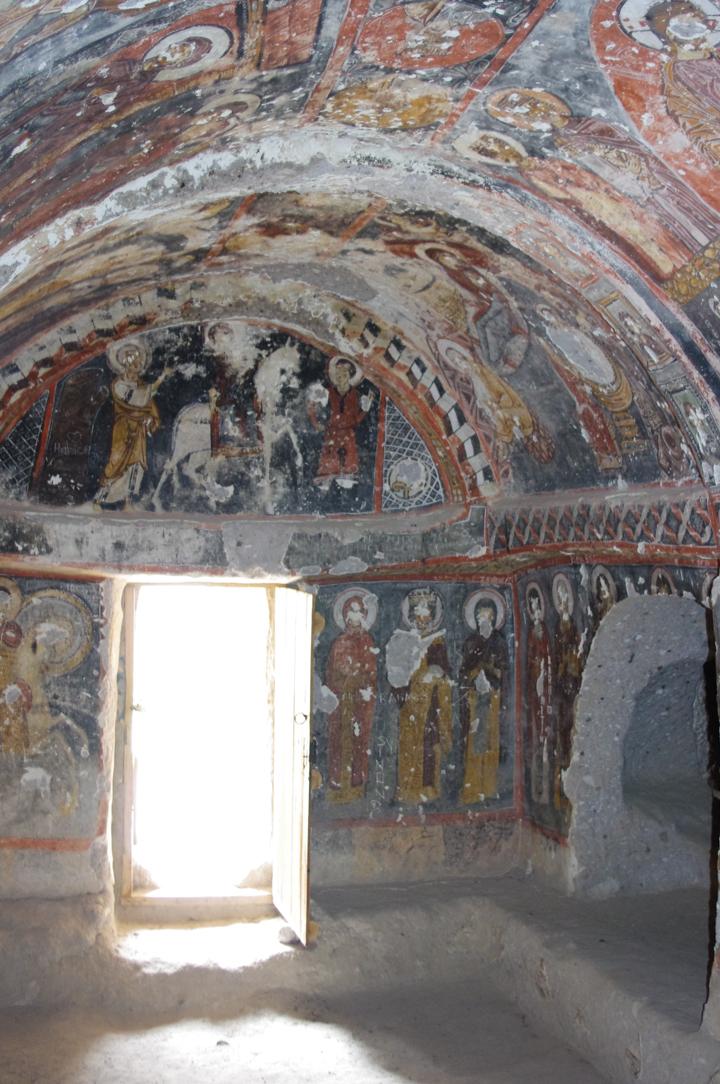 Soganly valley - holly sante Barrara - thahtali kilise inside