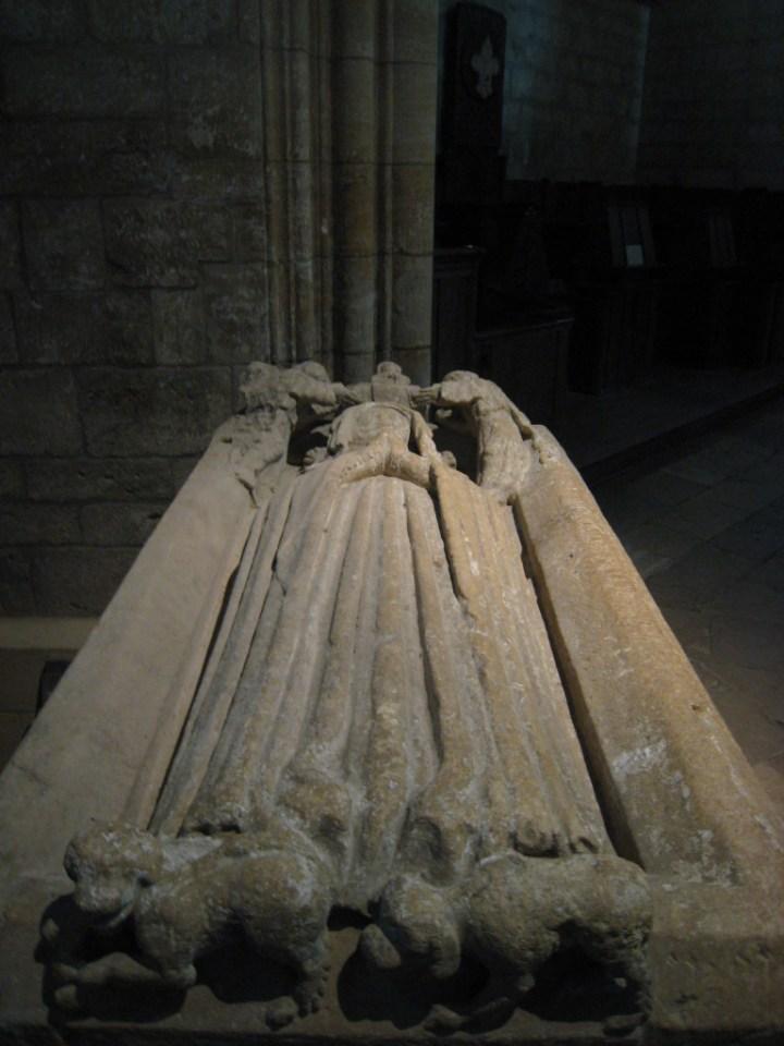 Recumbent effigy - Notre Dame d'Avioth - Basilica - Avioth - France