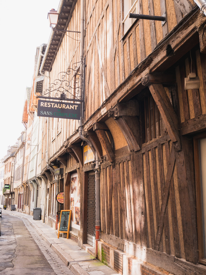 Sans complexe in Troyes, France - roadtripsaroundtheworld.com