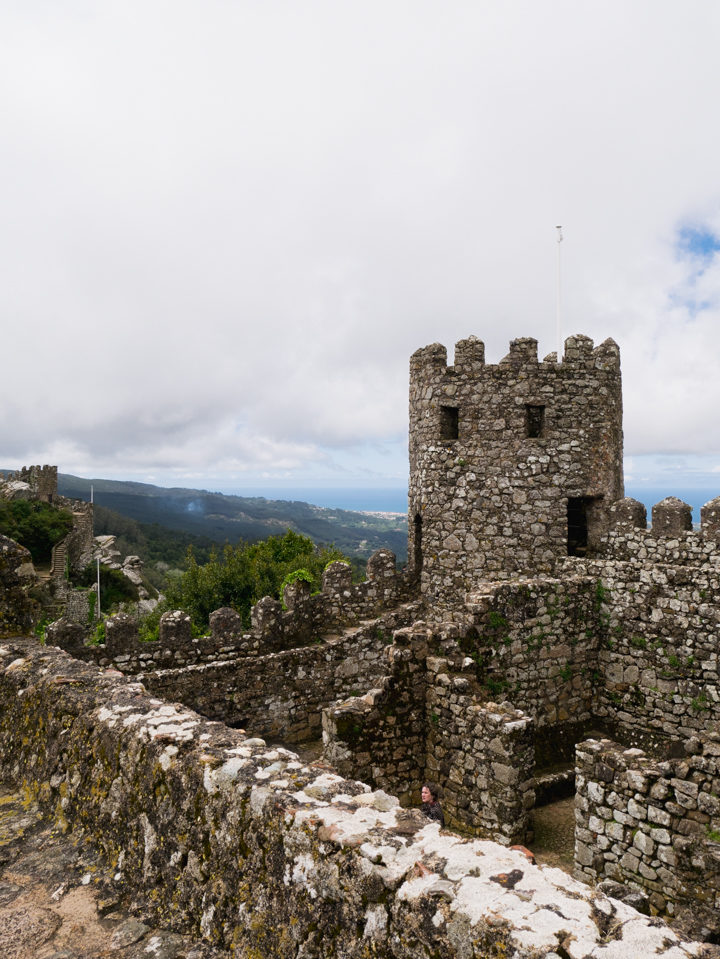 The Castle Keep of the Moors Castle, Sintra - Portugal - Learn more on roadtripsaroundtheworld.com