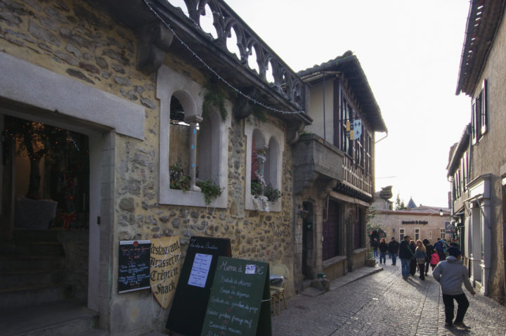 The street of the cité of Carcassonne - learn more on roadtripsaroundtheworld.com