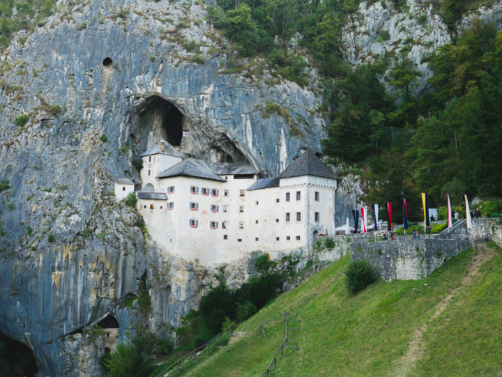predjama-castle-slovenia-learn-more-on-www-roadtripsaroundtheworld-com