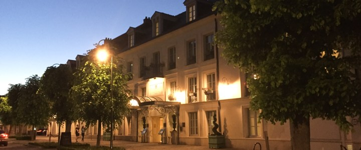 Looking for a Hotel in Chantilly? The Auberge du Jeu de Paume is a dream