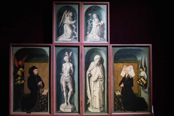 The closed Polyptych - 15th century - Visit of the Hospices of Beaune - www.RoadTripsaroundtheWorld.com