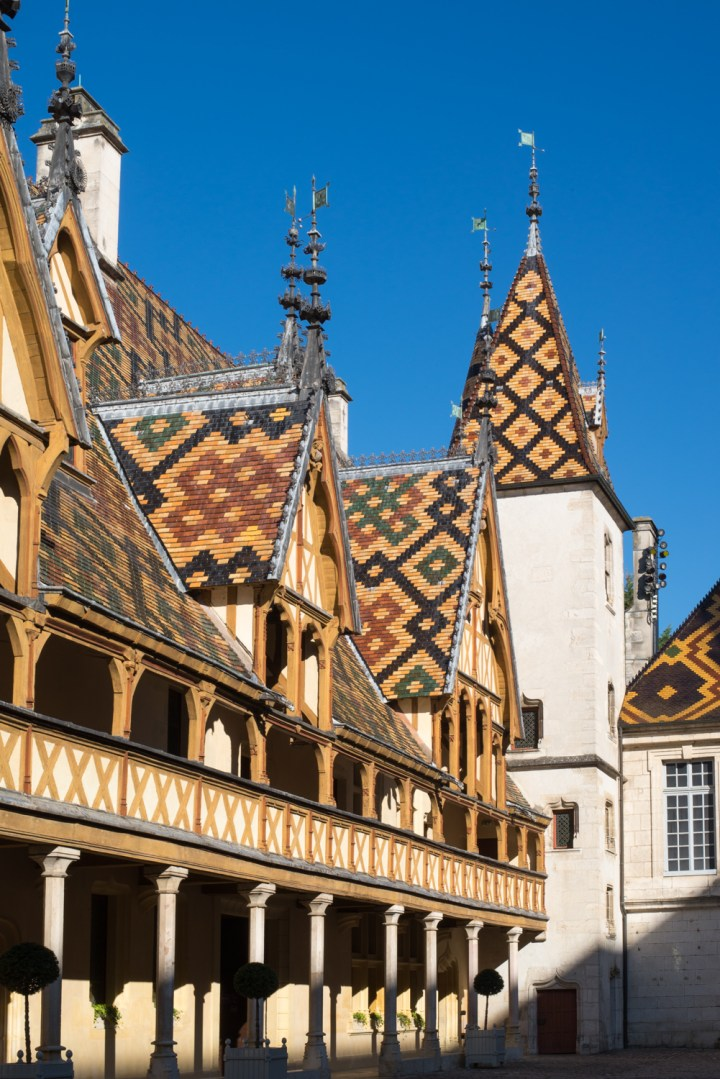 Visit of the Hospices of Beaune, Burgundy - France - The Courtyard - www.RoadTripsaroundtheWorld.com