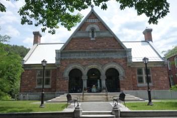 Public library in Woodstock