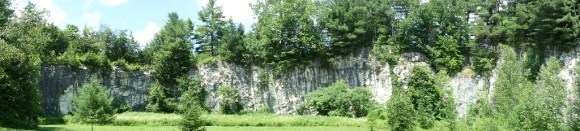 The old marble quarry of Natural Bridge State Parl