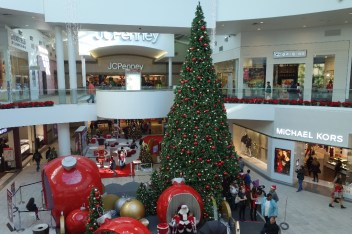 Christmas Eve in the mall :-)