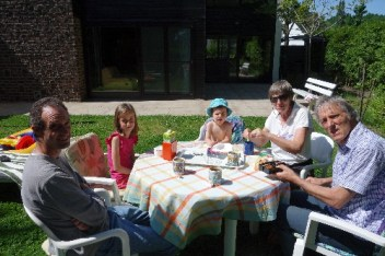 At home with my family: my parents and my niece and nephew