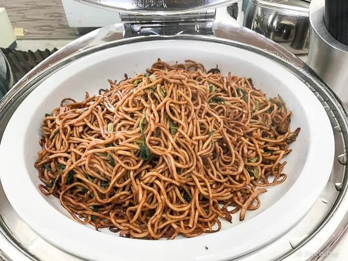Air China Shanghai T2 Star Alliance Lounge Fried Noodle
