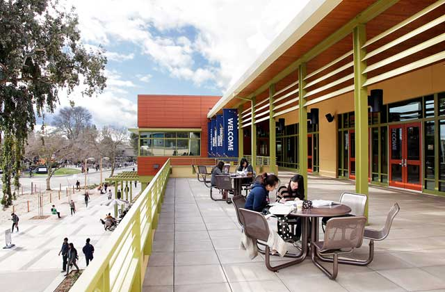 https://i1.wp.com/www.robaid.com/wp-content/gallery/architecture5/uc-davis-student-community-center-5.jpg