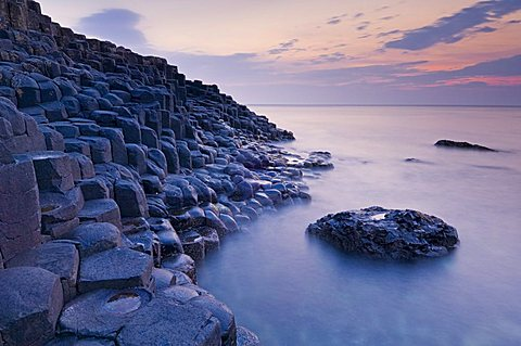 Hexagonal basalt columns of the Giant's Causeway, UNESCO World Heritage Site, and Area of Special Scientific Interest, near Bushmills, County Antrim, Ulster, Northern Ireland, United Kingdom, Europe
