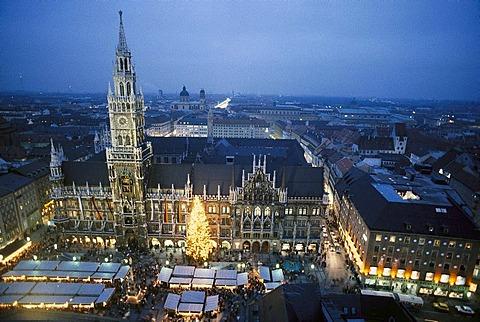 Christmas market on Marienplatz in the evening, Munich, Bavaria, Germany, Europe