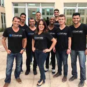 Cristiane Andrade e a equipe Confiare