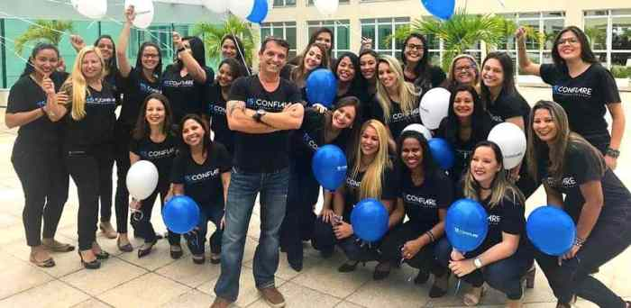 Arnaldo dos Santos e a equipe Confiare