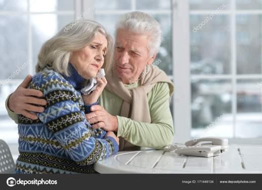 Vado in vacanza, ma lascio i miei genitori anziani abbandonati a se stessi