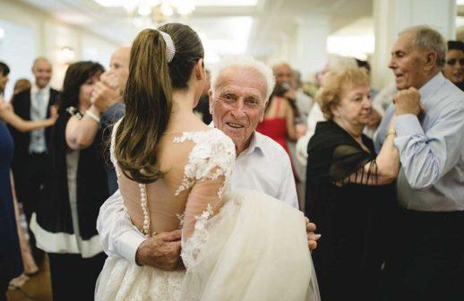 Quando ti sposi, sposi anche la comunità che appartiene al partner